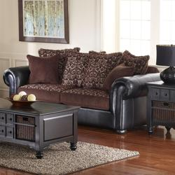Hudson Traditional Styled Sofa for Elegant Living Room Accent