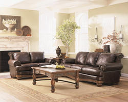 Monarch Valley Harness Loveseat