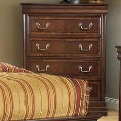 Hennessy Traditional Chest of Four Drawers with Bracket Feet