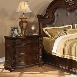 Anondale Traditional Three-Drawer Nightstand
