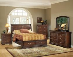 Hennessy Queen Bed, Dresser, and Mirror Bedroom Group