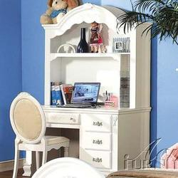 01660 Pedestal Desk w/ Hutch