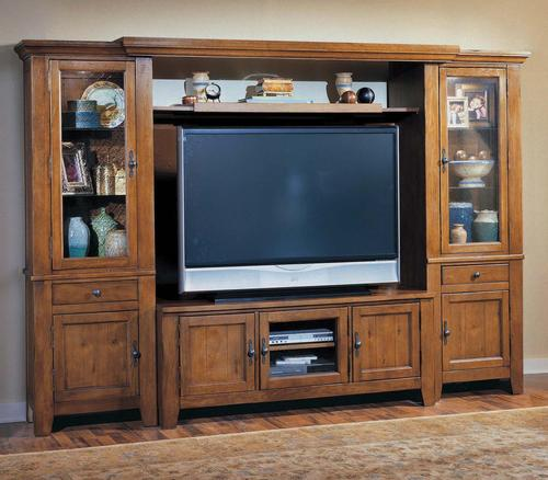 Broyhill Furniture Attic Heirlooms Entertainment Center