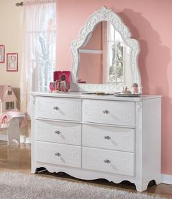 Exquisite Dresser & Ornate Bedroom Mirror