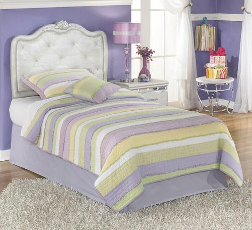 Signature design by ashley zarollina twin upholstered for Gator bedroom ideas