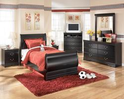 Huey Vineyard 4 Piece Bedroom Group