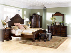 NORTH SHORE 5 Pc. Bedroom Set