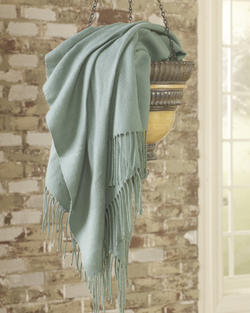 Ashton Aqua Throw (3/CS)