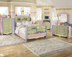Doll House Youth Dresser